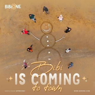 #bibisharesmagic Bibione Production is glad to announce that Bibi the crab is coming to town 🦀🎄  .  #bibisharesmagic Bibione Production è lieta di annunciarvi Bibi is coming to town 🦀🎄  #bibiiscomingtotown #discoverbibione #differentepernatura #christmas #christmasdecorations #christmastree #xmas #christmastime